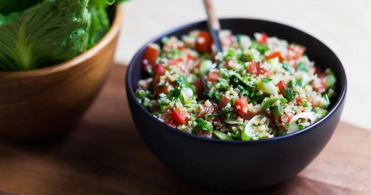 Découvrez cette recette de Taboulé de boulgour Libanais pour 4 personnes, vous adorerez!