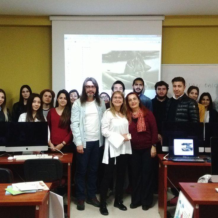 Aydın Üniversitesi'nde Öğr. Gör. sevgili Nergis Kul'un MYO Grafik Tasarımı öğrencileriyle Türkiye'de ve dünyada illüstrasyon üzerine söyleştik ve bir workshop gerçekleştirdik.
