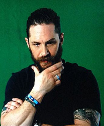 THAS-Tom Hardy Argentina Station • Posts Tagged 'interviews'om doing an EPK (electronic press kit) interview for The Revenant. Possibly for a behind the scenes interview for the dvd. The green screen is for graphics (poster art, logos, etc.) that can be added later.