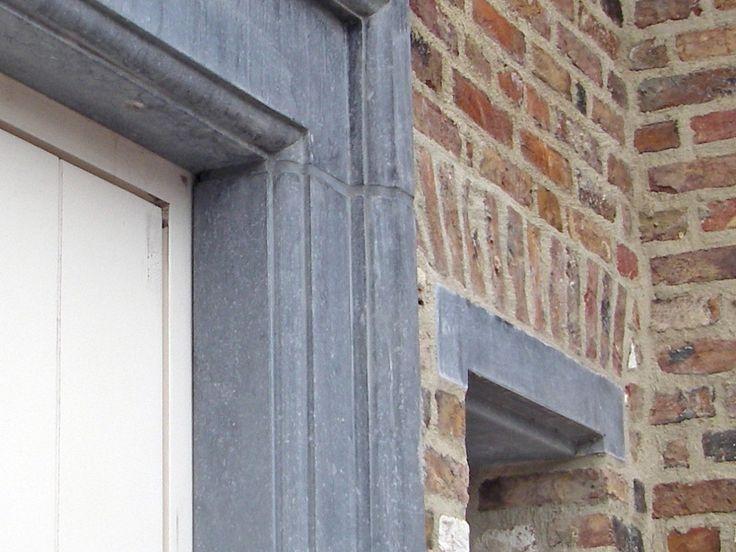 Belgische hardsteen deuromlijsting