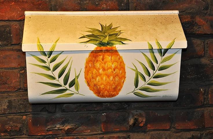 Pineapple Mailbox