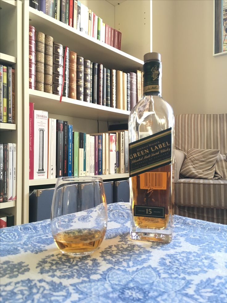 Johnnie Walker Green Label 15 years. Vatted Malt Whisky.