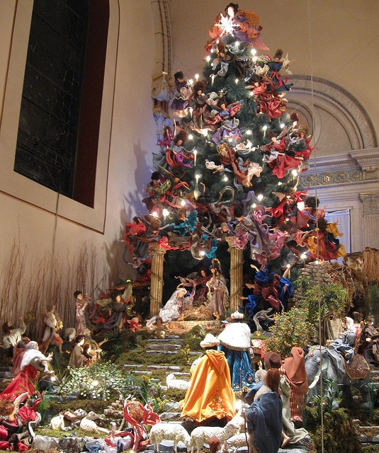 Adoration of the Christ Tree St. Mark R.C. Church, Brooklyn, NY by Puzzler4879, via Flickr