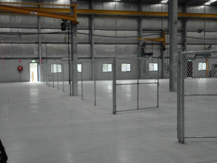 Internal chainwire fencing with lockable partitions -