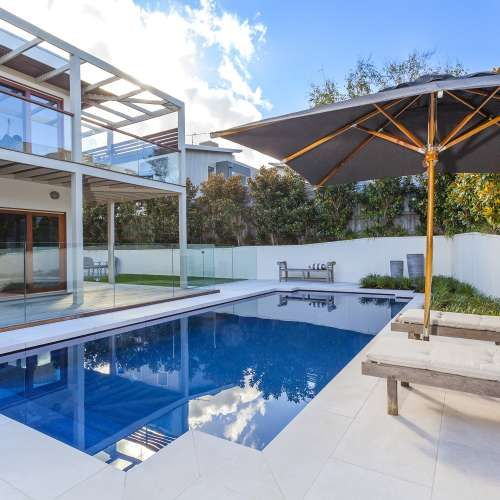 The Federation pool is a classic, contemporary fibreglass swimming pool. Visit Narellan Pools to get a free quote from a qualified swimming pool builder.