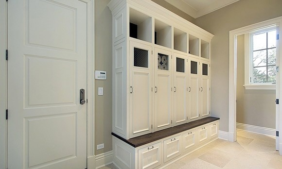 This is exactly what I want in my entryway since someone thought we didn't need a front hall closet.  Love it!