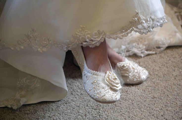 Victoria+Wedding+Shoes+Size+11+Bridal+Ballet+Flat+by+pink2blue,+$195.00: Rose Bridal, Bridal Ballet, Wedding Shoes, Shoes Bridal, Flats Shoes, Flats Vintage, Victoria Bridal, Swarovski Crystals, Ballet Flats