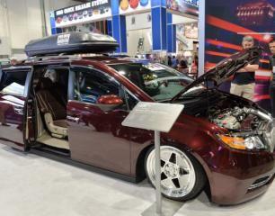 Bismoto Engineering Shows off 2014 Honda Odyssey Van with 1029 HP