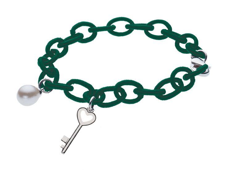 Bracciale Collezione Teen - Charms, filo di seta verde  #Bluespirit #teen #bracciale #charms #seta #verde