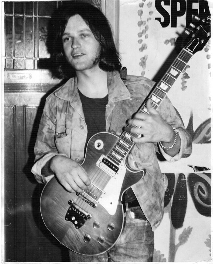 Eelco Gelling (Zwartsluis, 12 juni 1946) is een Nederlands bluesgitarist en speelde o.a. bij Cuby and the Blizzards en Golden Earring.