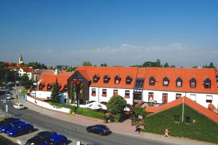 Parkhotel Průhonice www.park-hotel-praha-pruhonice.cz Hotel 3*