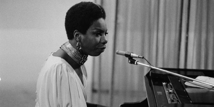 4 documentales de Netflix para aprenderse la historia del jazz Hard Bop, Rashida Jones, Nina Simone, Miles Davis, Michael Jackson, Violin, Netflix, Music Instruments, Racial Equality