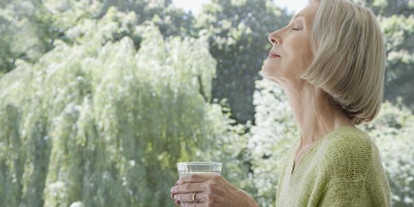 A dehidratáció az időseket sokkal jobban veszélyezteti
