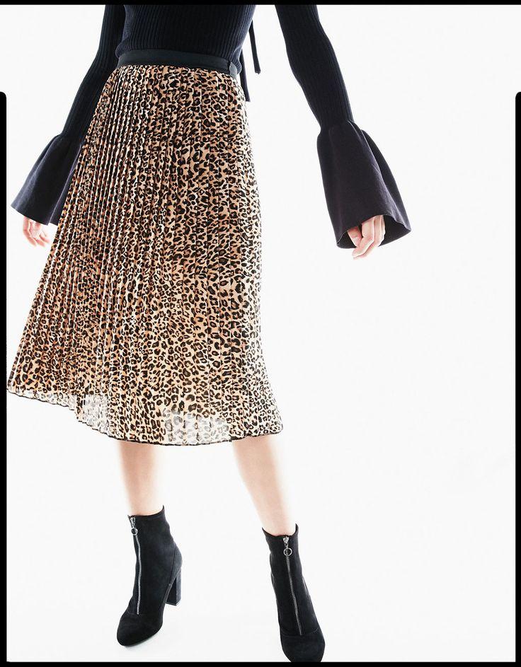Falda larga plisada leopardo - Faldas - Bershka Mexico