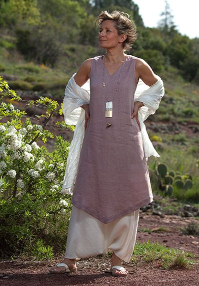 Vêtements en lin: tunique mauve et sarouel jupe