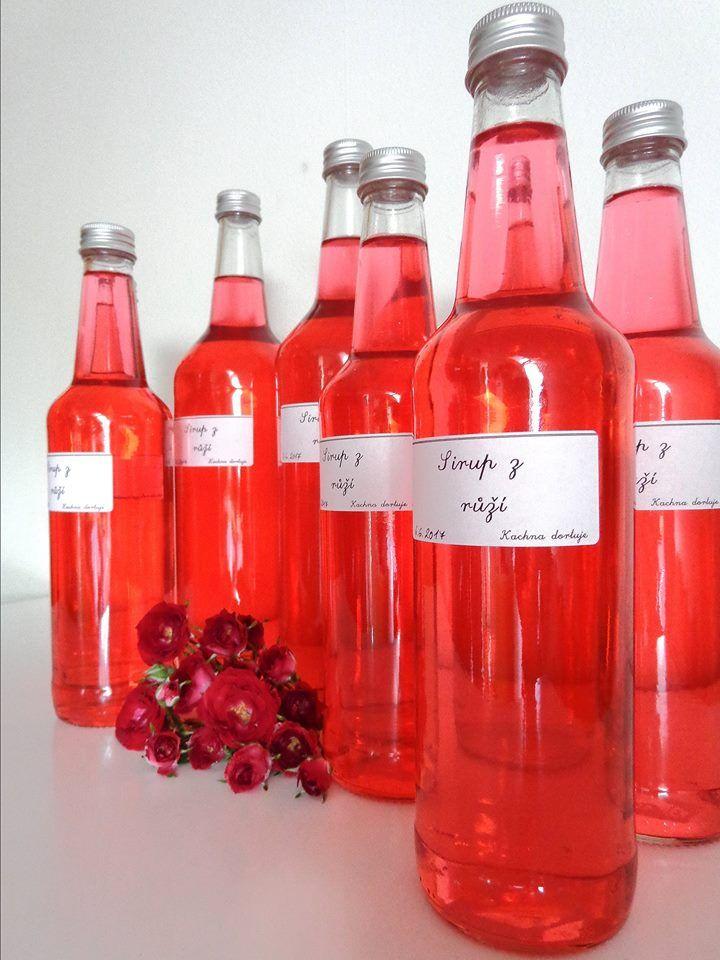 Rose syrup.   Sirup z růží.