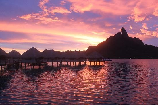 Le Meridien Bora Bora: A vew From my room ! ITS A LIVE SCREENSAVER