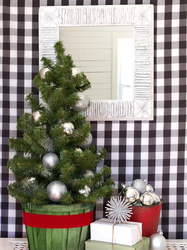 How to Make a Winter Twig-embellished Mirror