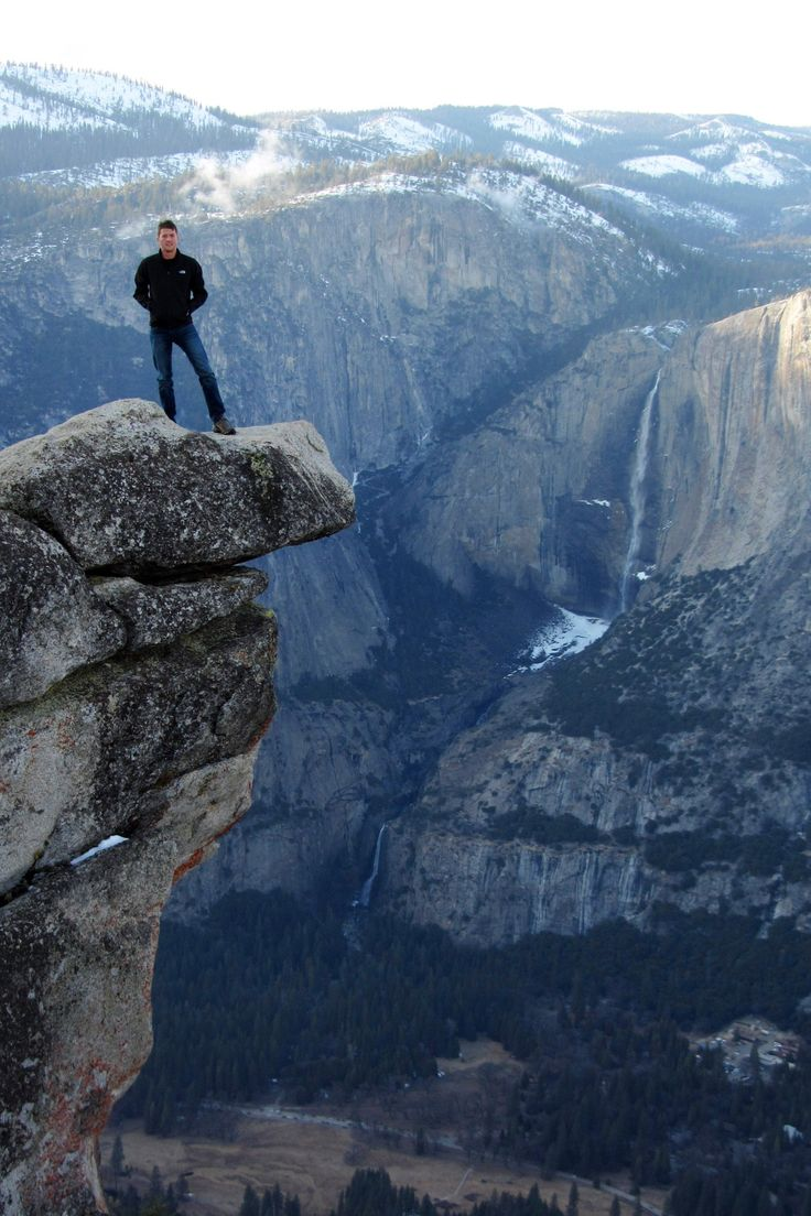 Glacier point,Yosemite National Park,is a United States national park lying in the western Sierra Nevada of Northern California.