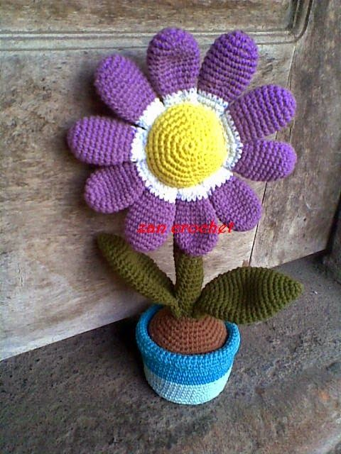 Amigurumi Flower Tutorial : Amigurumi : Flower in the Pot - Tutorial 4U // hf http ...