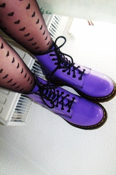 purple doc martens and cool tights << WHY CAN'T I FIND THIS SHADE OF PURPLE ANYWHERE!!!???
