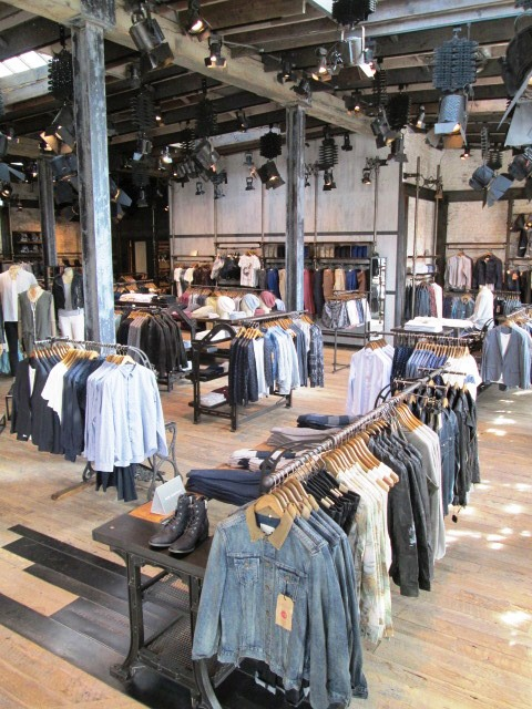 Robertson clothing stores