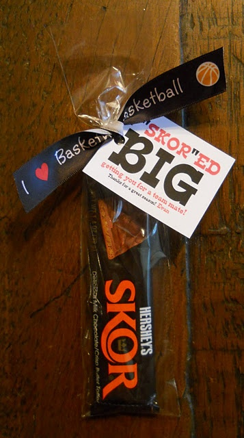 Coach and Team Gift!: Poca Cosa, Team Gifts, Gifts Ideas, Cute Ideas, Sports, Skor Big, Teacher, Coach Gifts, Skor Bar