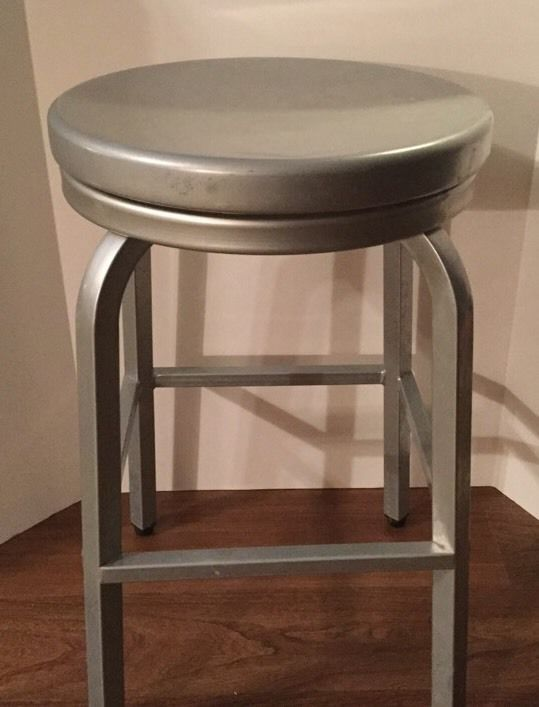 Brushed Aluminum Backless Swivel 24 Quot Counter Stools Indoor
