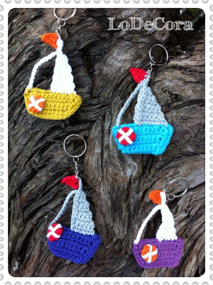 Souvenirs Llaveros de barquitos a crochet