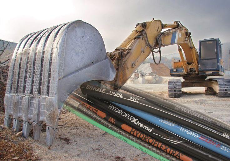 Slangen voor lage- en hogedruk tot 3200 bar voor diverse industriële toepassingen.