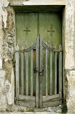 ~K. Beautiful green door, and an awesome gate.