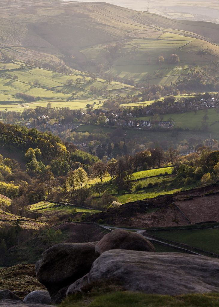 things to do east midlands derbyshire castleton