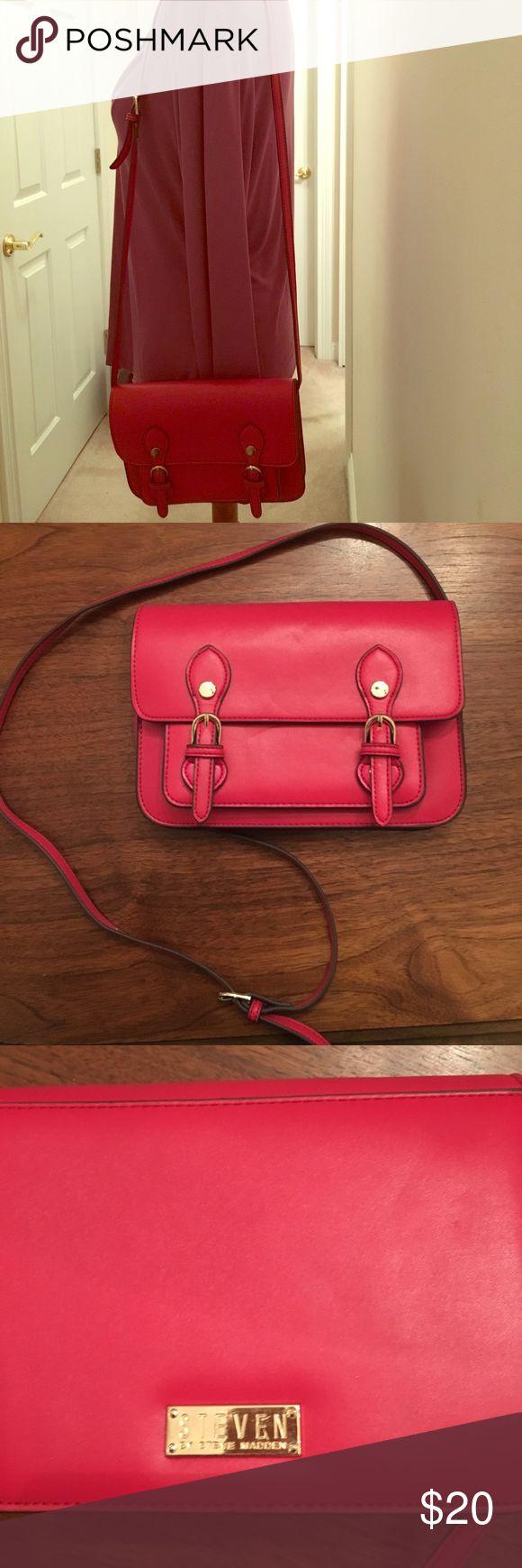Steve Madden purse - pink leather Steve Madden purse - pink leather. Very clean (see photos) Steven by Steve Madden Bags