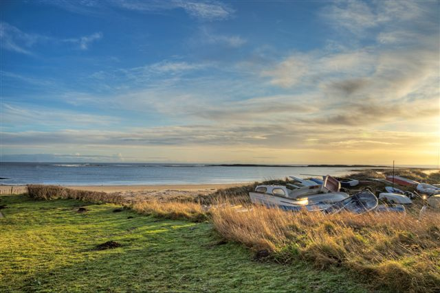 Beach Retreat Cottage in Low Newton is a cottage by the sea sleeping up to 8 guests. With fabulous sea views from all the bedrooms and literally a few steps an you are on the beach. There is a lovely back garden, perfect for relaxing in after a day on the beach.
