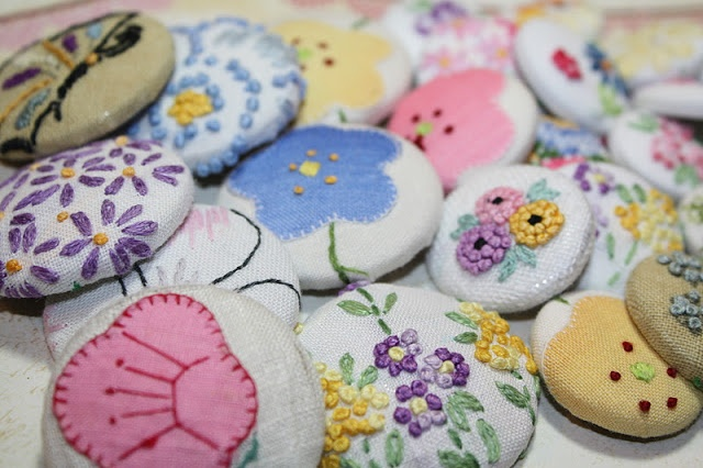 Vintage Linens - Upcycled by creating buttons. What a great idea for little bits of vintage!