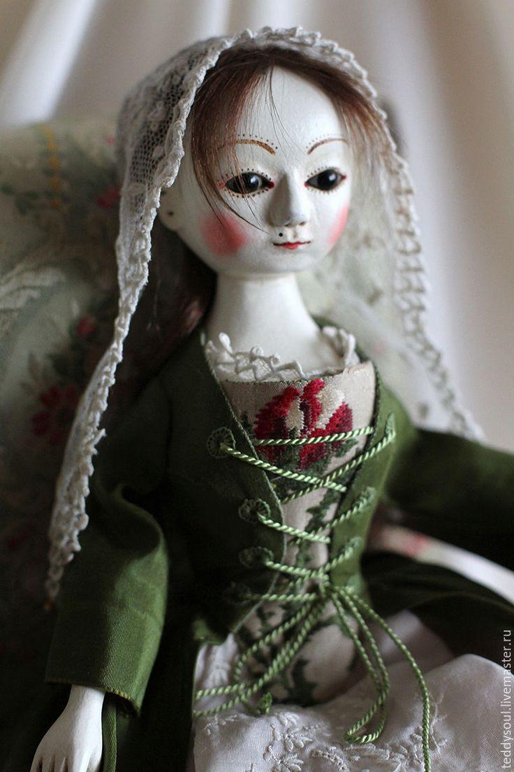 Купить Милдред I, деревянная кукла времен Королевы Анны - тёмно-зелёный, белый