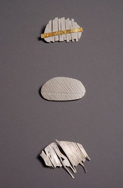 SUZANNE HARBINSON-UK pebble brooches. http://www.sh-jewellery.co.uk/