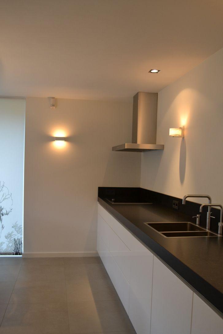 aanrecht in keuken na verbouwing. www.schaal1op1.com
