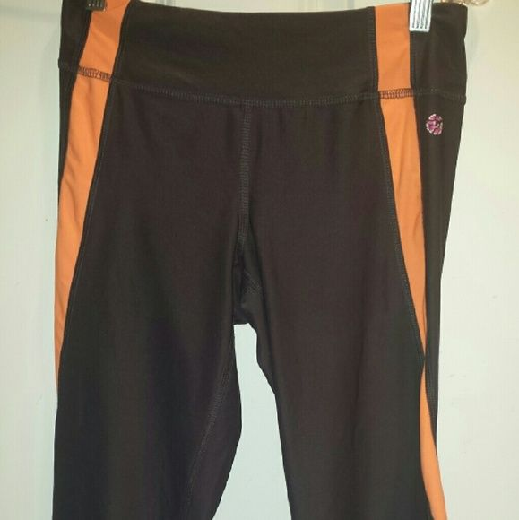 VOGO GYM PANT SIZE 8,10 Dark brown with peach lines very good condition vogo Pants Leggings