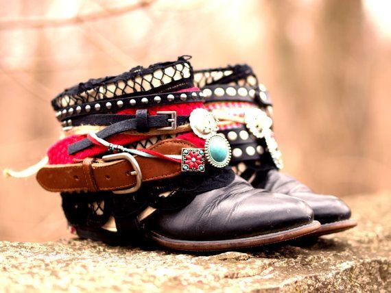 Aangepaste zwarte boho tribal kleurrijke upcycled cowboylaarzen - boho laarzen…