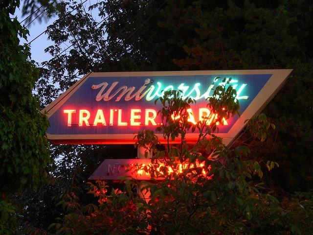 I love these old retro trailer park signs~