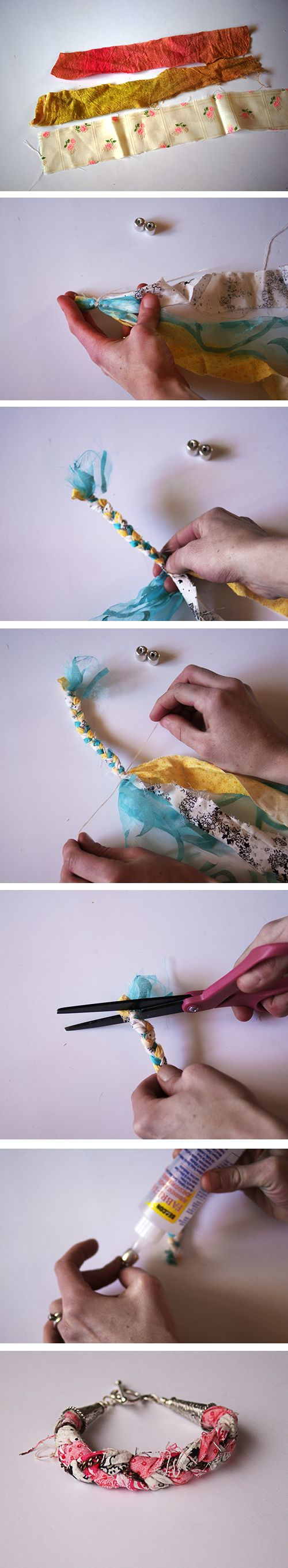 Fabric Scrap Bracelets - Pulsera elaborada con tela reutilizada