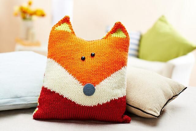 If you'd like to knit your own Oliver Fox, find the free pattern here: http://www.letsgetcrafting.com/index.php/free-patterns/P12