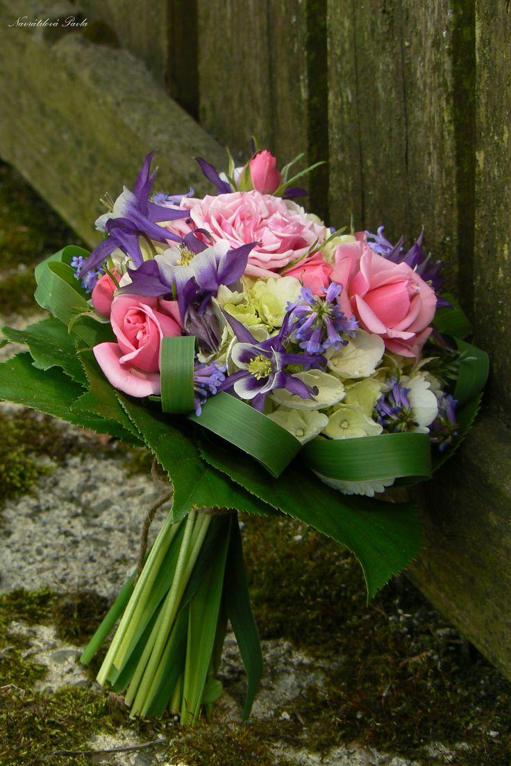 Hortenzie, ruže, orlíčky