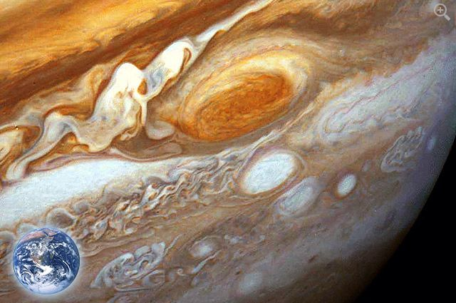 Voyager 1 & Saturn