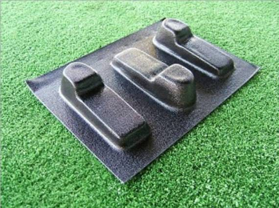 Pot Feet mould    3 moulds with 1 design Save yourself a fortune or earn extra cash      Approx size of pot feet are 120mm in length     40mm width     30mm depth        This is a Reusable Mould Made from 1MM Durable Plastic Please See our Other Moulds For Sale   All designs, pictures & text are copyright of castaway-md
