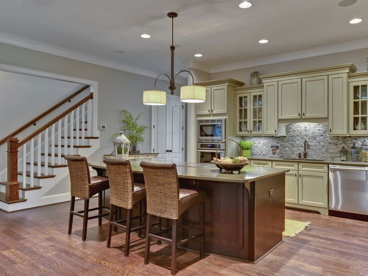 Sherwin Williams 7036 - Accessible Beige - Family Room