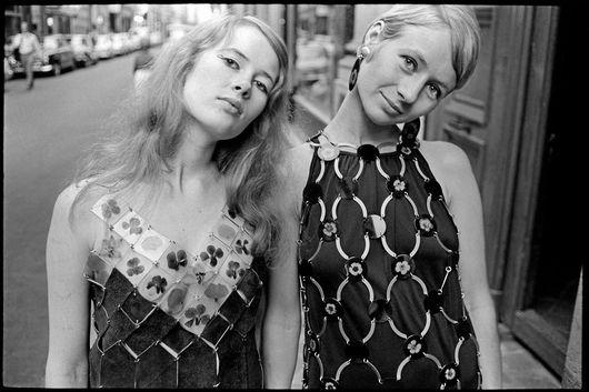 Marie-Louise De Geer och Gunila Axén   Paris 1967 #style #icons #scandinavian #designers #writers #1960s