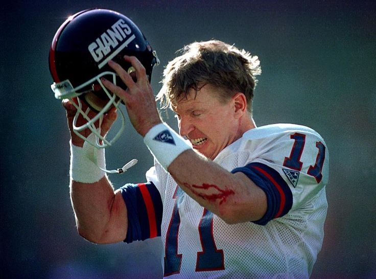 Phil Simms took on the leadership role of QB for the New York Giants & spent his entire football career with that team. He was born in Lebanon, KY.