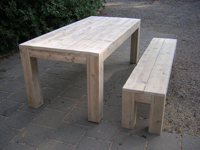 Houten tuintafel met bank in steigerhout